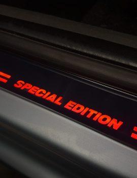 2 28305 Nakladka LED Special Edition czerwona 1L